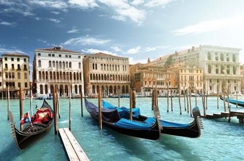 See the iconic sights of Venice