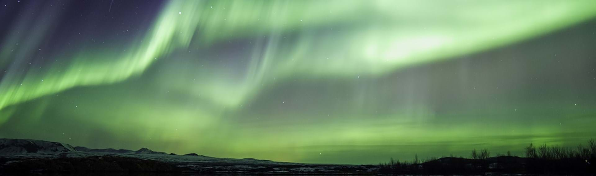 Experience-the-northern-lights-in-Iceland
