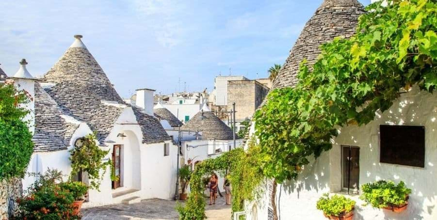 Explore-Trulli Houses-on-Puglia-Italy-Holiday