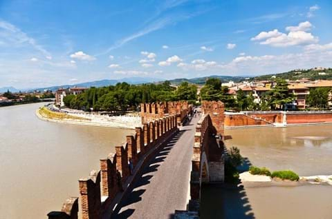 Explore Verona on a guided tour