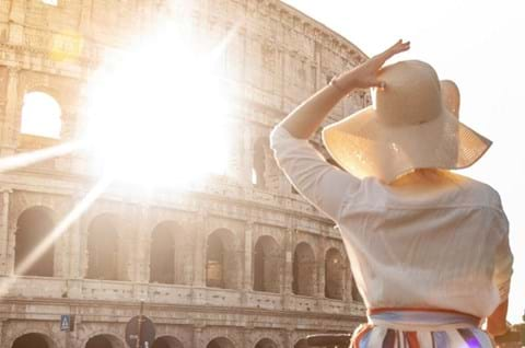 Witness Rome Colosseum With A Woman With Hat Group Travel Tours To Rome
