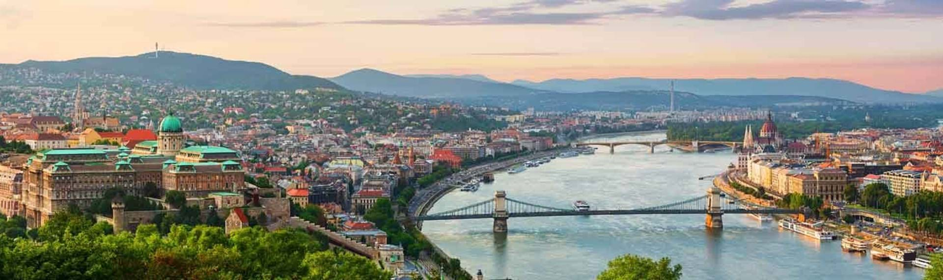 Guided-holidays-to-Budapest