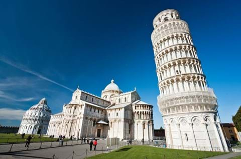 Visit Piazza Dei Miracoli Home Of The Most Iconic Building In Italy The Leaning Tower