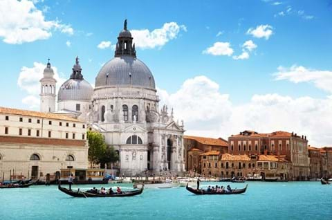 See the iconic attractions in Venice