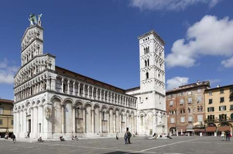 Half Day Tour To Lucca Italy