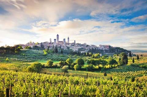 Explore San Gimignano On A Guided Tuscany Holiday